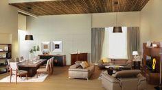 Derrames de líquidos, polvo e infinidad de cosas pueden llegar a maltratar nuestros muebles, pero ¿Cómo limpiarlos? Esta vez tenemos el A, B, C, de la limpieza para tus muebles de madera o tapiz.