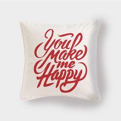 Cojín You Make Me Happy by Pilou. Decohunter. Regalos originales. ideas de regalo. Amor y amistad. Encuentra dónde comprar este diseño y Producto en Colombia.