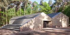 This building forms part of the Zonnewende campground in South Holland, which provides accommodation and outdoor activities for children from nearby cities, including school camps and religious groups, as well as music and sports clubs.