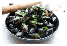 Lucy's Kitchen Notebook: Moules Marinières