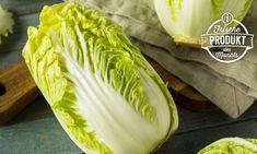 Wusstest du, dass Chinakohl tatsächlich etwas mit China zu tun hat? Die Kreuzung aus Speiserübe und Senfkohl verdankt ihren Namen nämlich ihrem Ursprungsland. Noch mehr Wissenswertes erfahrt ihr in unserem Warenkunde-Beitrag! Pak Choi, Food Facts, Cabbage, Vegetables, Chinese Cabbage, Asian Cuisine, Names, Interesting Facts, Easy Meals
