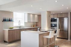 decoração de cozinhas planejadas modernas com armários de madeira