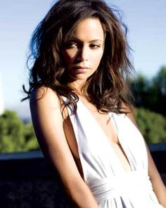 Résultat d'images pour thandie newton hair Thandie Newton, Black Actresses, British Actresses, Brunette Actresses, Pretty People, Beautiful People, Beautiful Ladies, Look Body, Meagan Good