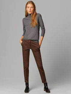 The most elegant styles at Massimo Dutti. Discover the latest clothing, shoes and accessories for women, men or kids from the Spring Summer 2019 collection. Casual Work Outfits, Business Casual Outfits, Professional Outfits, Mode Outfits, Work Casual, Business Fashion, Casual Chic, Stylish Outfits, Womens Fashion For Work