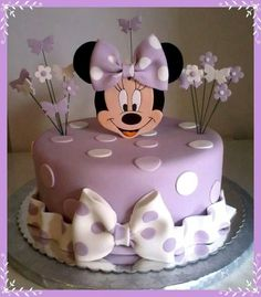 Purple Minnie mouse cake