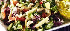 Juustosalaatti päärynä-vinaigrettekastikkeella Pasta Salad, Cobb Salad, Salads, Ethnic Recipes, Food, Crab Pasta Salad, Essen, Meals, Yemek