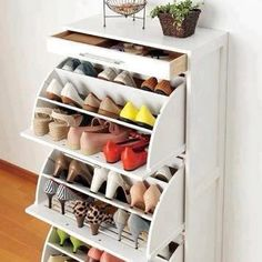 Clever shoe cupboard maximising volume of shoes