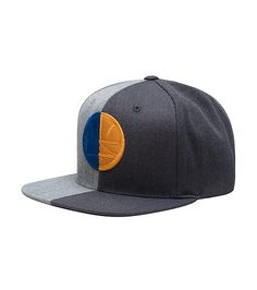 MITCHELL AND NESS  Golden State Warriors NBA basketball snapback cap   Adjustable strap on back for ultimate comfort and performance  Team logo  embroidered ... 810a4171052ab