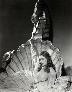 """glynis johns in promotional photo for the 1948 film 'miranda'. Vintage Glamour, Vintage Beauty, Vintage Photos, Old Photos, Glynis Johns, Mermaid Movies, Mermaids And Mermen, Old Hollywood, Classic Hollywood"