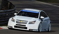 ROAL Motorsport will field Chevrolet Cruze cars for Tom Chilton and Tom Coronel in the 2014 FIA World Touring Car Championship. The Italian team committed to run two of the cars that RML is building in compliance with WTCC new technical regulations.