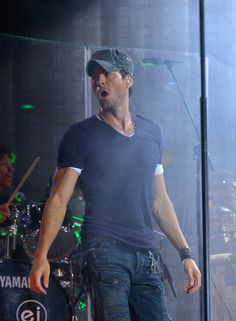 Enrique Iglesias - Enrique Iglesias Performs in Las Vegas