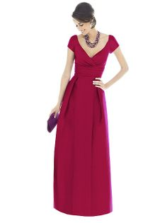 Long bridesmaid dress with short sleeves and sweet heart neckline. Dessy Alfred Sung Bridesmaid Dress D501