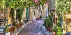 ΕΞΟΔΟΣ | Υπέροχες διαδρομές για περίπατο στο αθηναϊκό κέντρο