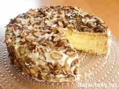 """""""Concordiakake"""" er en nydelig sukkerbrødsbunn fylt med spennende, fløyelsmyk vaniljesmørkrem. Kaken dekkes med gyldne mandelflarn. Let Them Eat Cake, Food And Drink, Baking, Store, God, Dios, Bakken, Larger, Allah"""