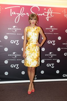 #TaylorSwift Spring Dress.  Shop #DMLooks at www.DivaMall.tv and enter to win 2 tix to the 2014 #Grammys