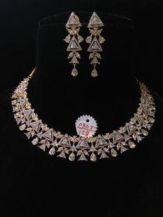 India Jewelry, Jewelry Sets, Bollywood Bridal, Style Diary, Pakistani Dresses, Dress Code, Bridal Jewelry, Diamond Jewelry, Necklace Lengths