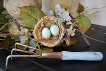 Pretty nest arrangement.
