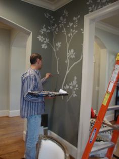 Interior designer Chandler Sulton had been so busy designing for others and taking care of her two. Wall Art Decor, Wall Murals, Gracie Wallpaper, Dining Room Paint, Hand Painted Walls, Wall Treatments, Wow Products, House Painting, Decoration