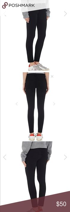 Frame Denim Le Skinny de Jeanne Black Jeans London-inspired style combined with the quality of the L.A. denim industry informs a chic pair of go-to jeans with a classic skinny cut. Supersoft and super-stretchy tech denim offers a flattering fit that slims the thighs while lifting the rear. Worn only a handful amount of times, in perfect condition. Size 27, mid-rise. Frame Denim Jeans Skinny