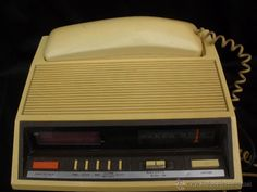 Antiguo telefono + radio  marca Deluxe años 70  80s decoración vintage
