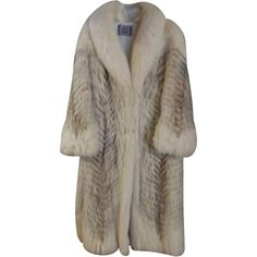 Pre-owned Saga Furs Full Length Fox & Raccoon Fur Coat ($236) ❤ liked on Polyvore featuring outerwear, coats, jackets, fur, saga furs, full length coat, fox coat, raccoon fur coat and brown coat