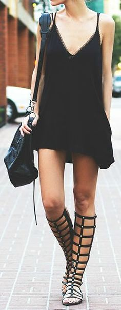 Boho chic, bohemian dress, black dress, bohemian style, tribal look, hippie style, summer look, women fashion, festival look, black shoes, casual look, short dress, sandals, flats, combat boots