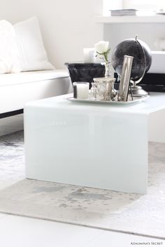 Silver Carpet - Adalmina's Secret Interior Styling, Interior Design, White Rooms, Dream Decor, Modern Decor, Home Accessories, Home Furniture, Diy Home Decor, Silver Carpet