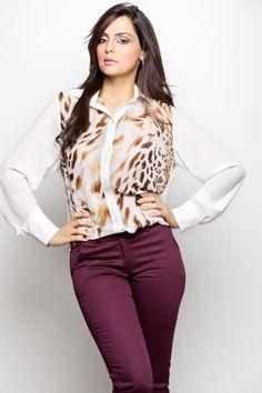 Um dos recentes lançamentos da Macksonn, a camisa feminina com estampa de animal print é uma das peça-chave do inverno 2013 que confere sofisticação ao look.