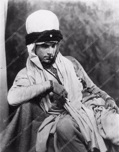 photo Bela Lugosi in turban and Arab outfit (silent film) 2084-21