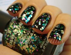 crazy cool nail art blog-  love it.. great ideas :) - Click image to find more DIY & Crafts Pinterest pins