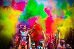 Are you looking to add some color into your running? Join The Color Run 2014 Kaleidoscope Tour and have all the fun with all the colors! The Color Run, Festival Holi, Run With Me, Texas, Win Tickets, India, Paint Party, Courses, Stuff To Do
