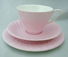 SET-OF-6-QUEEN-ANNE-TEA-CUP-AND-SAUCER-PLUS-CAKE-PLATE-SUGAR-BOWL-CREAMER