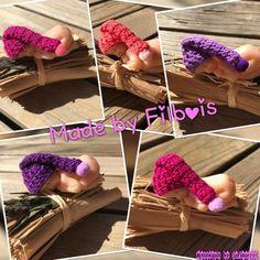 Bonnets miniatures lutin pour bebe fimo, scrapbooking, vitrine miniature 994b120d0a3