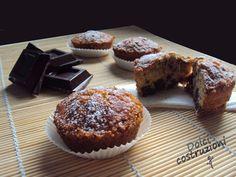 muffin senza glutine sono realizzati con farina di riso e fecola di patate, arricchiti poi da una bella quantità di scaglie di cioccolato fondente.