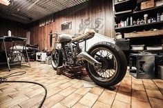 The garage can easily become the ultimate storage area. If you have no other place for your extra belongings, the sides of your garage become a storage unit in no time. Prefab Metal Buildings, Shop Buildings, Motos Retro, 3d Foto, Garage Repair, Car Repair, Motos Honda, Car Seat Organizer, Motos Harley Davidson