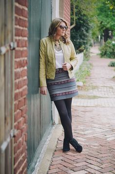 how wear aztec printed skirt