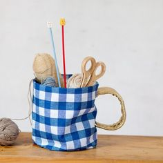 DIY oilcloth storage mugs