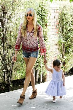 Kimberly Stewart & Delilah...As In Rod & Alana's Daughter & Granddaughter....Oh, I Think Mom Has That Stewart/Alana Combo Look....!!  Beauties, Both!!