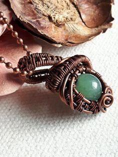 Ciondolo avventurina rame wire weaving wire art artigianale fatto a mano pagan wicca pietra naturale perla verde minerale fantasy fate di WiredOnyx su Etsy