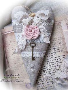 Купить или заказать Забытое письмо ... (Тильда-сердечко в стиле шебби-шик) в интернет-магазине на Ярмарке Мастеров. Романтичные и очень нежные Тильда-сердечки в стиле шебби-шик. Сделайте подарок любимому человеку. Просто так. Прямо сейчас. Не дожидаясь Дня Святого Валентина. Ведь признаний в любви никогда не бывает много... Сердечки органично впишутся в интерьер в стиле шебби-шик или украсят собой свадебный интерьер.…