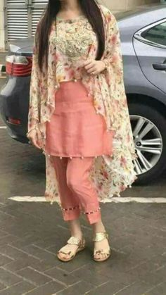Designer dresses indian - 18 Birthday Outfits For Pakistani GirlsParty Wear Ideas 2019 – Designer dresses indian Kurta Designs, Kurti Designs Party Wear, Stylish Dresses For Girls, Stylish Dress Designs, Stylish Dress Book, Girls Dresses Sewing, Wedding Dresses For Girls, Pakistani Dresses Casual, Pakistani Dress Design
