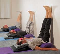 Did you know just 15 minutes of Yoga Practice a day can change your body chemistry & improve your mood completely? If you are a workout freak, yoga won't be your ultimate choice as it does not involve optimal or immense workout sessions. Yoga is not. Restorative Yoga Sequence, Yoga Sequences, Yin Yoga, Yoga Meditation, Yoga Flow, Stress Yoga, Yoga Bolster, Relaxing Yoga, Iyengar Yoga