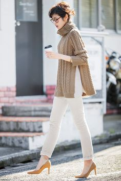 30 hottest winter outfits cold ideas to wear right now Japanese Fashion, Asian Fashion, Work Fashion, Fashion Outfits, Fashion Trends, Pull, Everyday Fashion, Casual Chic, Casual Looks