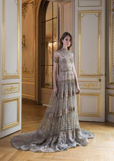 Paolo Sebastian Herbst-Winter - Couture - www. Elegant Dresses, Pretty Dresses, Formal Dresses, Style Haute Couture, Couture Fashion, Bridal Fashion, Street Style Rock, Beautiful Gowns, Beautiful Outfits