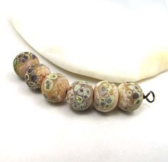 Love My Art Jewelry: 30 Beads Later by Kimberly Rogers