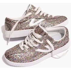 Madewell x Tretorn® Nylite Plus Sneakers in Glitter (91,645 KRW) ❤ liked on Polyvore featuring shoes, sneakers, multi glitter, glitter trainers, madewell shoes, tennis trainer, rubber sole shoes and retro tennis shoes