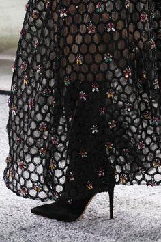 Giambattista Valli Spring 2017 Ready-to-Wear Accessories Photos - Vogue