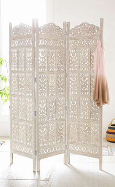 Urban Outers Amber Wooden Carved Screen Intricately In A Tri Fold Silhouette This Sy Standout Piece Works Perfectly As Room