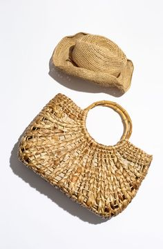Beach Getaway Essential: A Beachworthy Tote filled with nothing but books and sunblock. Summer Of Love, Summer Beach, Girls Accessories, Fashion Accessories, Ibiza, Studio Weave, Straw Tote, Summer Essentials, Resort Wear