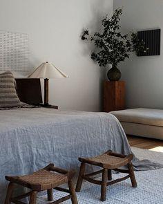 Boho Bedroom Decor, Home Bedroom, Minimalist Room, Minimalist Interior, Bedroom Images, Aesthetic Bedroom, Bedroom Styles, Guest Bedrooms, House Design